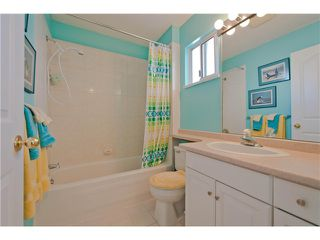 "Photo 9: # 812 8972 FLEETWOOD WY in Surrey: Fleetwood Tynehead Townhouse for sale in ""Park Ridge Gardens"" : MLS®# F1316936"