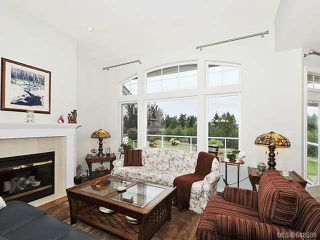 Photo 2: 685 Country Club Dr in COBBLE HILL: ML Cobble Hill House for sale (Malahat & Area)  : MLS®# 648589