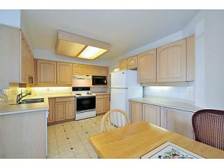 Photo 11: # 201 15367 BUENA VISTA AV: White Rock Condo for sale (South Surrey White Rock)  : MLS®# F1440748