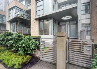 Main Photo: TH1 9222 UNIVERSITY CRESCENT in Burnaby: Simon Fraser Univer. Townhouse for sale (Burnaby North)  : MLS®# R2049196