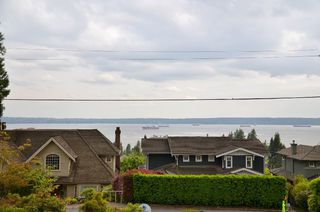 Photo 3: 2373 OTTAWA AVE in West Vancouver: Dundarave House for sale : MLS®# R2058810