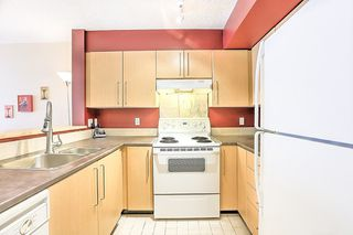 Photo 10: 207 2768 CRANBERRY DRIVE in Vancouver: Kitsilano Condo for sale (Vancouver West)  : MLS®# R2276891