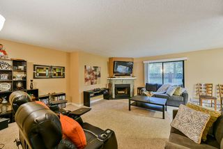 Photo 4: 101 7064 133B Street in Surrey: West Newton Townhouse for sale : MLS®# R2410637
