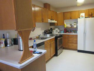Photo 6: 911 YOUVILLE Drive W in Edmonton: Zone 29 House Half Duplex for sale : MLS®# E4177675