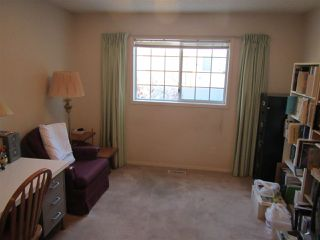 Photo 7: 911 YOUVILLE Drive W in Edmonton: Zone 29 House Half Duplex for sale : MLS®# E4177675