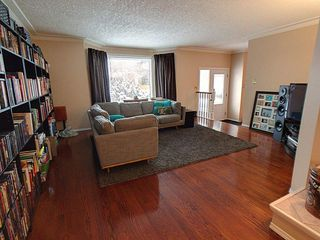 Photo 2: 18612 90 Avenue in Edmonton: Zone 20 House for sale : MLS®# E4184714