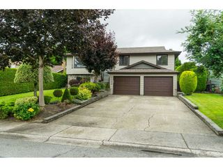 """Main Photo: 17089 60A Avenue in Surrey: Cloverdale BC House for sale in """"West Side"""" (Cloverdale)  : MLS®# R2471449"""