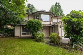 Main Photo: 2229 MOUNTAIN Drive in Abbotsford: Abbotsford East House for sale : MLS®# R2474545
