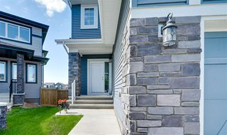 Photo 2: 5330 21A Avenue in Edmonton: Zone 53 House for sale : MLS®# E4207454