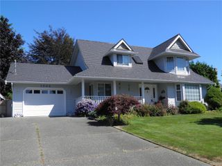Photo 1: 1504 Comox Ave in : CV Comox (Town of) House for sale (Comox Valley)  : MLS®# 850587