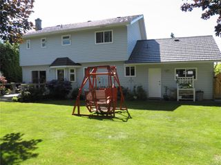 Photo 2: 1504 Comox Ave in : CV Comox (Town of) House for sale (Comox Valley)  : MLS®# 850587