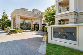 """Photo 1: 137 3098 GUILDFORD Way in Coquitlam: North Coquitlam Condo for sale in """"MARLBOROUGH HOUSE"""" : MLS®# R2488553"""