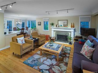 Photo 2: 2515 Central Ave in : OB South Oak Bay House for sale (Oak Bay)  : MLS®# 854746