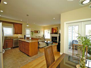 Photo 10: 359 Kinver St in VICTORIA: Es Saxe Point Half Duplex for sale (Esquimalt)  : MLS®# 598554