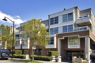 "Main Photo: 322 2768 CRANBERRY Drive in Vancouver: Kitsilano Condo for sale in ""ZYDECO"" (Vancouver West)  : MLS®# V940896"