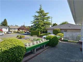 Photo 19:  in VICTORIA: OB Henderson House for sale (Oak Bay)  : MLS®# 606914