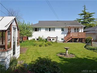 Photo 17:  in VICTORIA: OB Henderson House for sale (Oak Bay)  : MLS®# 606914