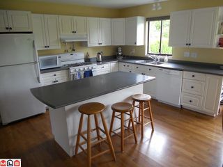 Photo 2: 8898 156TH Street in Surrey: Fleetwood Tynehead House for sale : MLS®# F1214785