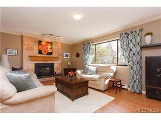 Photo 2: 1068 Costin Ave in VICTORIA: La Langford Proper Half Duplex for sale (Langford)  : MLS®# 635699