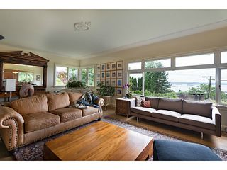 Photo 4: 1091 ESQUIMALT Avenue in West Vancouver: Sentinel Hill House for sale : MLS®# V1015059