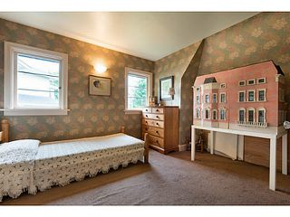 Photo 11: 1091 ESQUIMALT Avenue in West Vancouver: Sentinel Hill House for sale : MLS®# V1015059