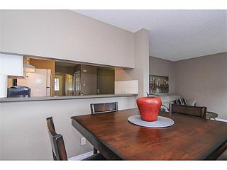 Photo 5: 139 Stonemere Place: Chestermere Townhouse for sale : MLS®# C3628180