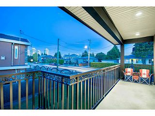 Photo 18: 6790 SPERLING Avenue in Burnaby: Upper Deer Lake House for sale (Burnaby South)  : MLS®# V1081274