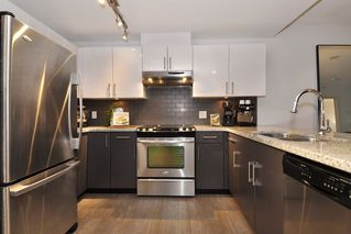 Photo 10: 1006 14 BEGBIE STREET in New Westminster: Quay Condo for sale : MLS®# R2120711