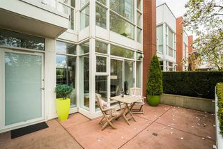 Photo 4: 3R 1077 MARINASIDE CRESCENT in Vancouver: Yaletown Townhouse for sale (Vancouver West)  : MLS®# R2263383