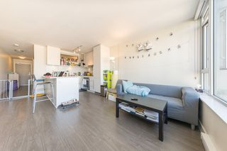 "Photo 3: 1404 668 COLUMBIA Street in New Westminster: Quay Condo for sale in ""TRAPP + HOLBROOK"" : MLS®# R2447017"