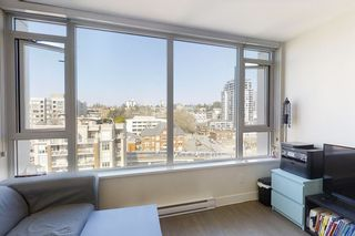 """Photo 11: 1404 668 COLUMBIA Street in New Westminster: Quay Condo for sale in """"TRAPP + HOLBROOK"""" : MLS®# R2447017"""