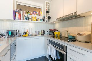 """Photo 6: 1404 668 COLUMBIA Street in New Westminster: Quay Condo for sale in """"TRAPP + HOLBROOK"""" : MLS®# R2447017"""