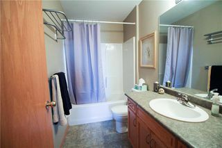 Photo 8: 83 Burke Bay in Winnipeg: Royalwood Residential for sale (2J)  : MLS®# 202009870