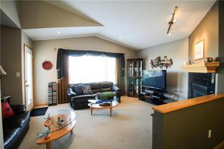 Photo 4: 83 Burke Bay in Winnipeg: Royalwood Residential for sale (2J)  : MLS®# 202009870