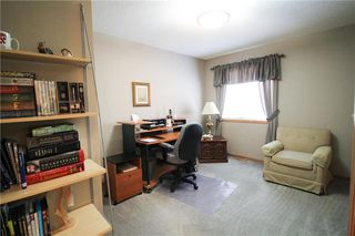 Photo 9: 83 Burke Bay in Winnipeg: Royalwood Residential for sale (2J)  : MLS®# 202009870