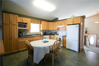 Photo 2: 83 Burke Bay in Winnipeg: Royalwood Residential for sale (2J)  : MLS®# 202009870