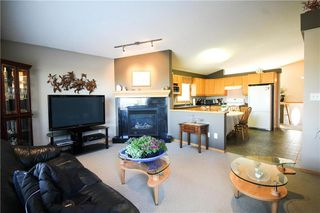 Photo 3: 83 Burke Bay in Winnipeg: Royalwood Residential for sale (2J)  : MLS®# 202009870