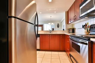 """Photo 10: 1101 235 GUILDFORD Way in Port Moody: North Shore Pt Moody Condo for sale in """"THE SINCLAIR"""" : MLS®# R2465214"""