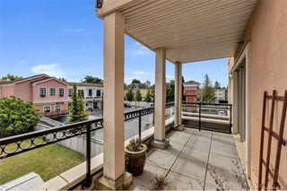 Photo 3: 212 1642 Mckenzie Ave in Saanich: SE Lambrick Park Condo for sale (Saanich East)  : MLS®# 844016