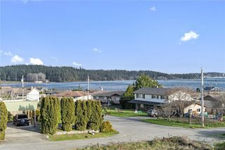 Photo 2: 201 3223 Selleck Way in Colwood: Co Lagoon Condo Apartment for sale : MLS®# 841207