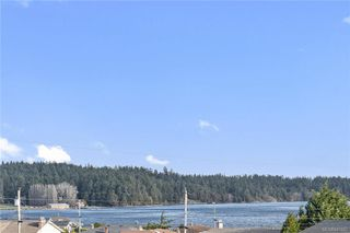 Photo 3: 201 3223 Selleck Way in Colwood: Co Lagoon Condo Apartment for sale : MLS®# 841207