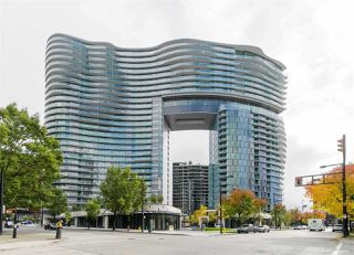 Main Photo: 1709 89 NELSON Street in Vancouver: Yaletown Condo for sale (Vancouver West)  : MLS®# R2518009