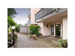 """Photo 1: 306 110 7 Street in New Westminster: Uptown NW Condo for sale in """"VILLA MONTEREY"""" : MLS®# V929454"""