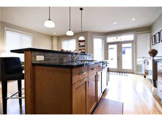 Photo 6: 2423 27 Street SW in : Killarney Glengarry Residential Attached for sale (Calgary)  : MLS®# C3508407