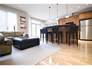 Photo 7: 2423 27 Street SW in : Killarney Glengarry Residential Attached for sale (Calgary)  : MLS®# C3508407