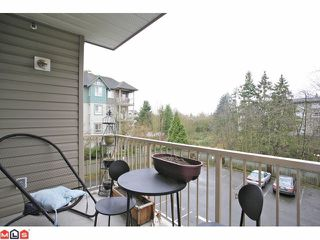 "Photo 10: 202 5489 201ST Street in Langley: Langley City Condo for sale in ""CANIM COURT"" : MLS®# F1210773"