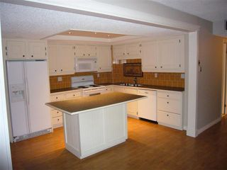 Photo 6: 204 - 2425 90 Avenue SW in Calgary: Palliser Condo for sale : MLS®# C3549903