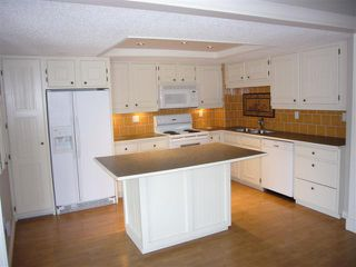 Photo 16: 204 - 2425 90 Avenue SW in Calgary: Palliser Condo for sale : MLS®# C3549903