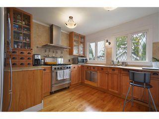 """Photo 2: 4356 PRINCE EDWARD ST in Vancouver: Fraser VE House for sale in """"MAIN/FRASER"""" (Vancouver East)  : MLS®# V991538"""
