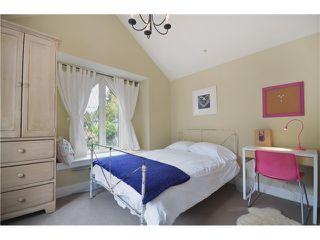 """Photo 5: 4356 PRINCE EDWARD ST in Vancouver: Fraser VE House for sale in """"MAIN/FRASER"""" (Vancouver East)  : MLS®# V991538"""